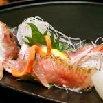 最近にわかに注目度がアップしている萩魚「金太郎」。昔から丸干しとしてはお馴染みだが、刺身は見るのも食べるのも初めて。見た目も美しく上品な甘み。これは旨いわ。