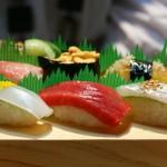 萩は魚が旨くて種類も豊富ですよ~! 写真はにぎり(上)2200円也。
